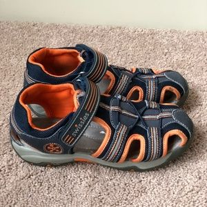 NWOT Boy youth sandals Swissies Sz 34EU 2-3US